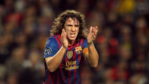 the_player_of_barcelona_carles_puyol_applauding_048672_